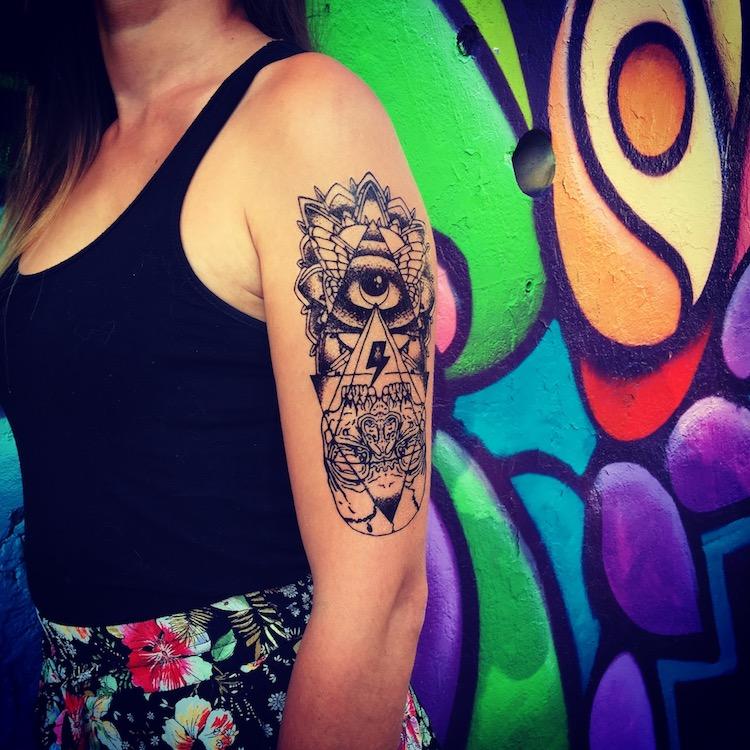 tattoo totem oeil éclair